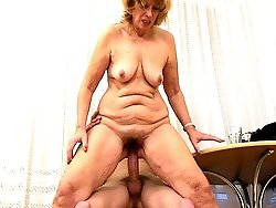 A sexy mommy couldn't resist the temptation of riding on the cock