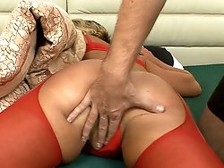 Fingering chinchilla of the granny in red pantyhose!